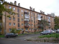 1-комнатную 32 кв.м., на Горького.