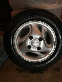 На Матиз комплект оригинальных шипованных колес 155/70R13