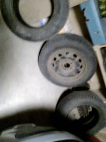 Три шипованные шины для форд фокуса-2