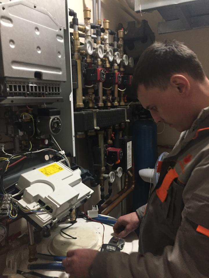 Промывка систем отопления. Ремонт и монтаж газовых котлов с гарантийными обязательствами. | фото 1 из 6