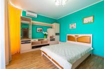 Атмосферная квартира для ваших родителей, которые любят находиться в центре культурных событий и ценят преимущества района Светлана в Сочи.