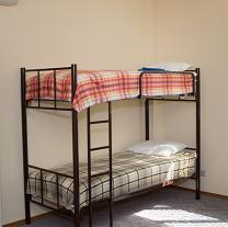 Кровати двухъярусные, односпальные на металлокаркасе, для хостелов, гостиниц,рабочих   фото 2 из 6