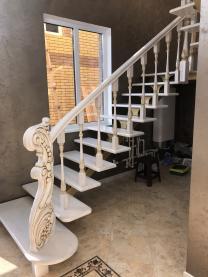 Лестницы деревянные из ясеня и дуба  изготовление на заказ | фото 2 из 6