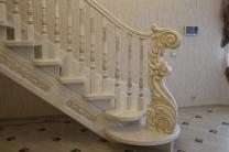 Лестницы деревянные из ясеня и дуба  изготовление на заказ | фото 4 из 6