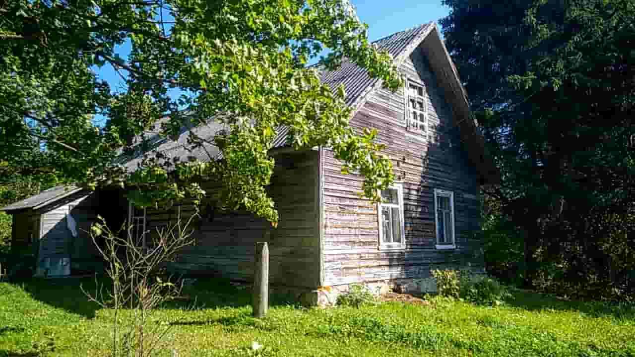 Жилой дом хуторного типа на вершине большого холма, 1 Га. земли  | фото 1 из 5