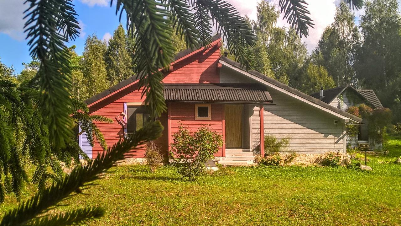 Шикарный жилой хуторок на берегу водоёма близ Старого Изборска   фото 1 из 6