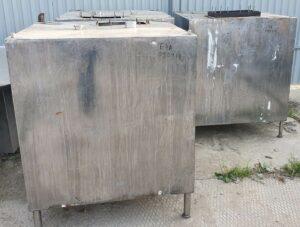 Продаются Емкости нержавеющие, объем — 1 куб.м., | фото 1 из 1