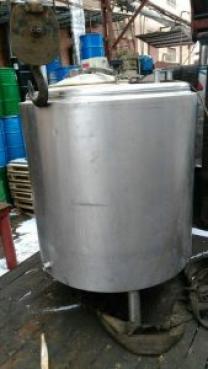 Новая нержавеющая емкость, объем — 0,4 куб.м