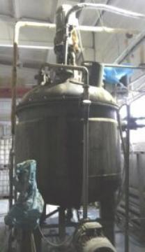 Продается Реактор нержавеющий, объем — 3,2 куб.м.,