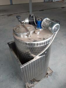 ПродаетсяЕмкость нержавеющая, объем — 0,20 куб. м.,  | фото 1 из 1