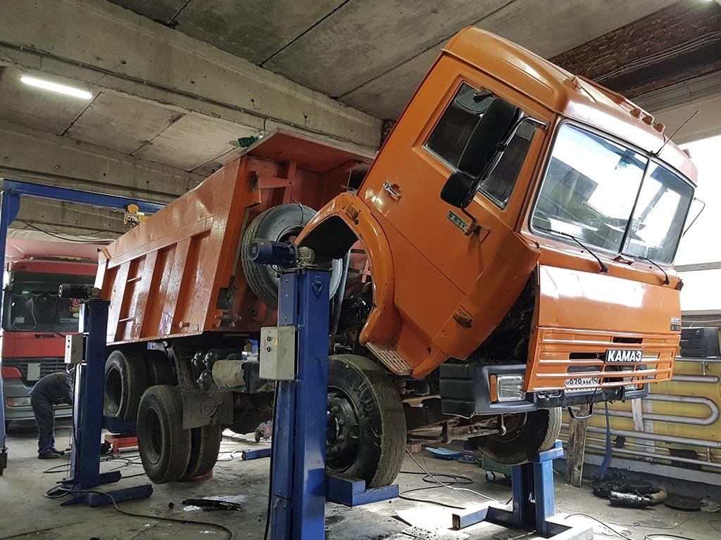 Ремонт грузовиков в Владикавказе на выезде. ремонт грузовых автомобилей и тягачей | фото 1 из 1