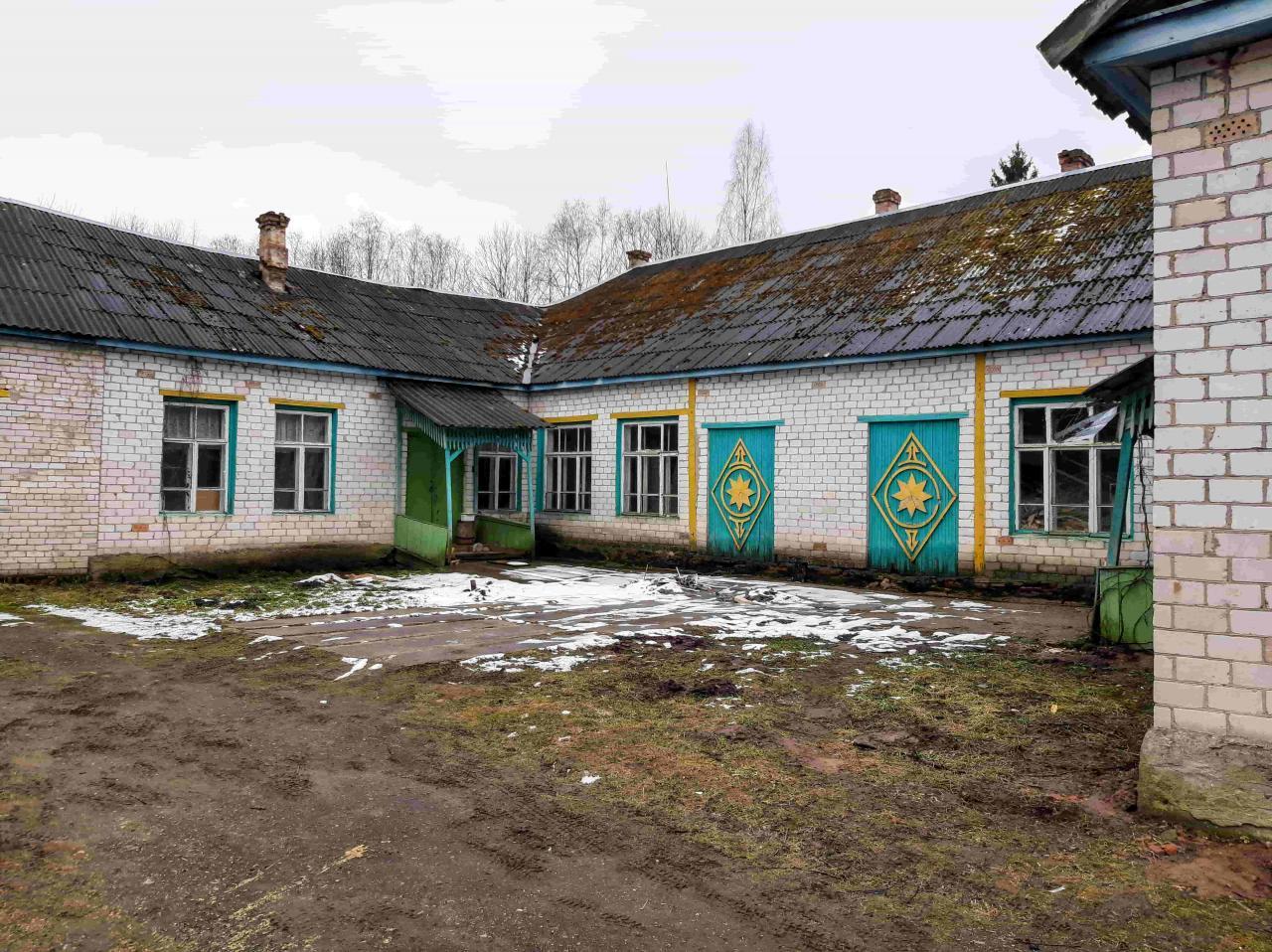 Жилое здание с хоз. помещениями и всеми удобствами в селе Покровском, 1Га. земли  | фото 1 из 6