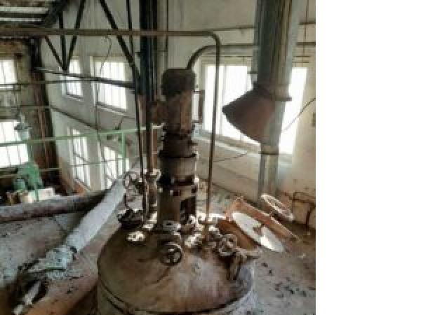 ПродаетсяРеактор нержавеющий, объем — 1,6 куб.м.   фото 1 из 1