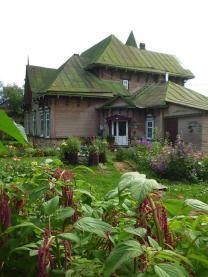 Дом - старинная усадьба в живописном месте