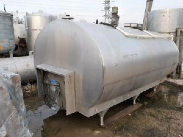 ПродаетсяЕмкость нержавеющая — танк охладитель, объем — 5 куб.м. | фото 1 из 1