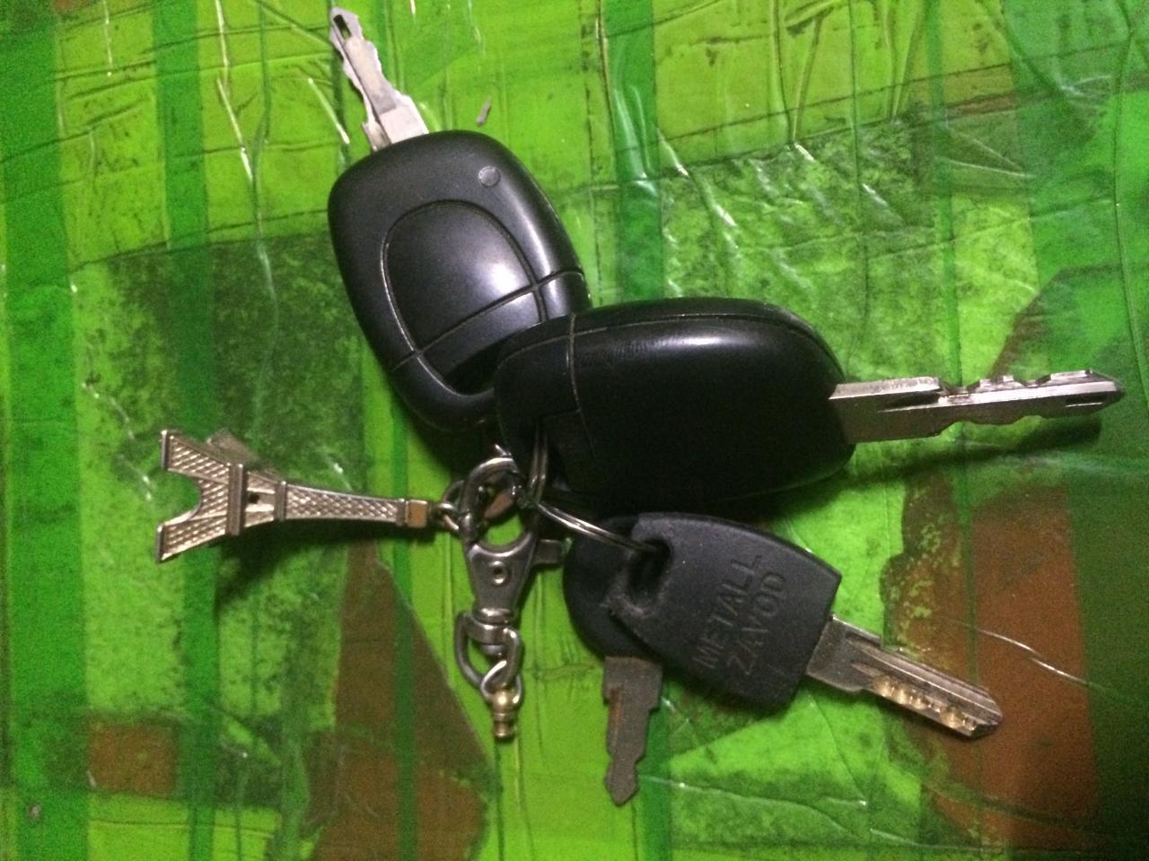 Вскрытие дверей, автомобилей, установка замков   фото 1 из 1