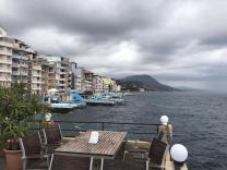 Продам виллу-отель на самом берегу Крыма. 255 м! 8 м до воды. Готовый бизнес под отель. Туристический курорт!