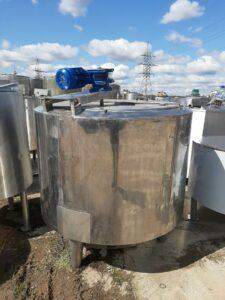 ПродаетсяЕмкость нержавеющая, объем — 1 куб. м.,   фото 1 из 1