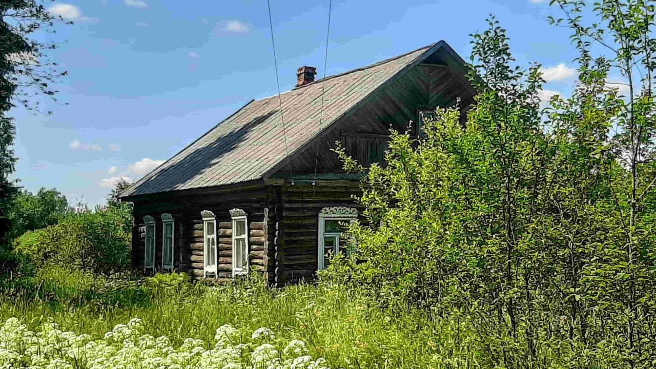 Большой зимний дом хуторного типа, 1 гектар земли  | фото 1 из 6