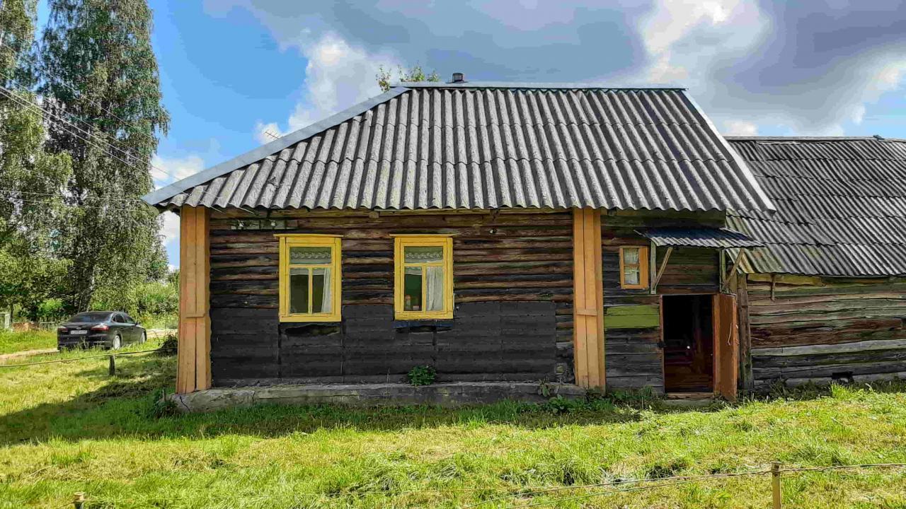 Крепкий симпатичный домик с баней в деревушке, 15 соток земли    фото 1 из 6