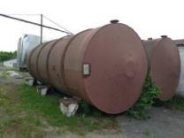 ПродаютсяЕмкости би-металл (внутри нержавейка, снаружи черные), объем -50 куб.м