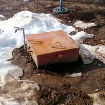 Водоснабжение частного дома от скважины с насосом и кессоном