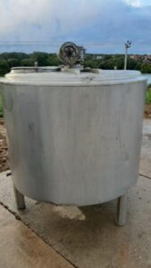 ПродаетсяЕмкость нержавеющая, объем — 1 куб.м.,   фото 1 из 1