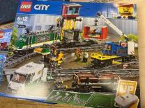 Конструктор LEGO City 60198 грузовой поезд | фото 2 из 4