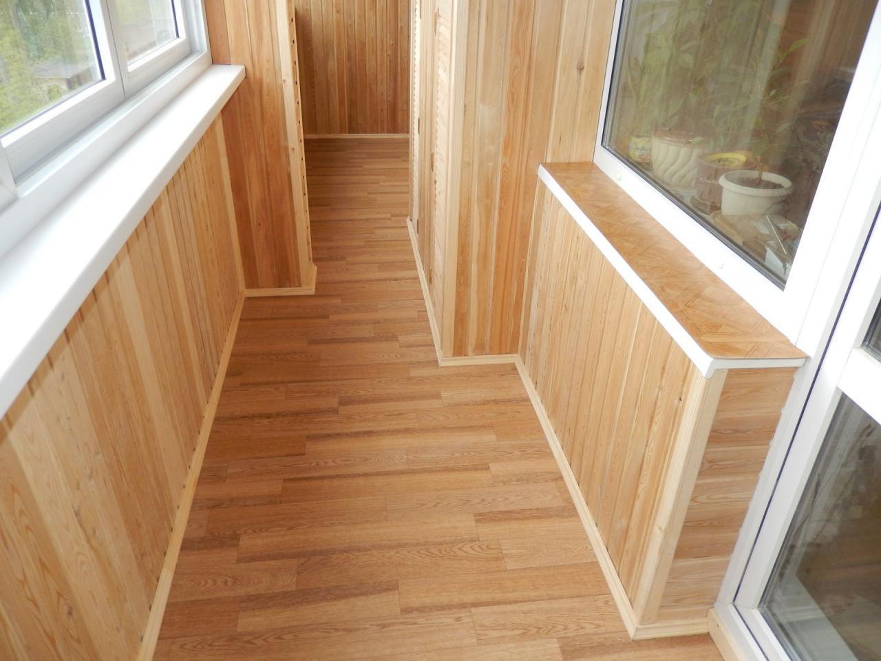 Внутренняя отделка балконов и лоджий в Красноярске.   фото 1 из 6