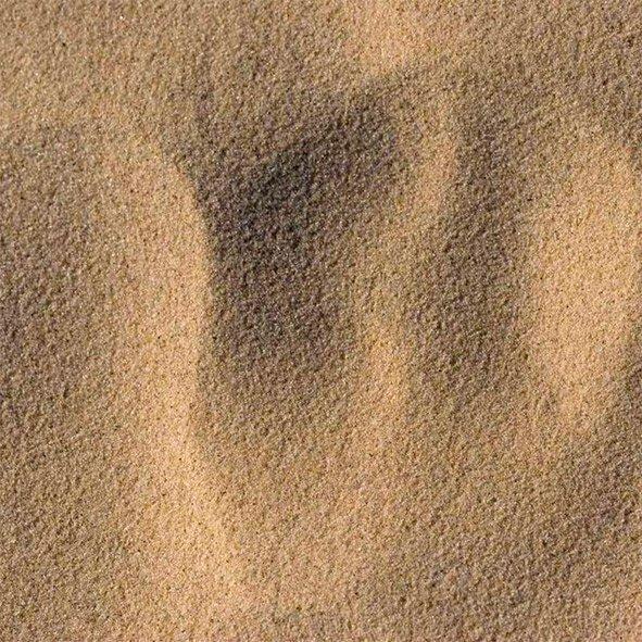 Карьерный песок с доставкой по Москве и МО | фото 1 из 2
