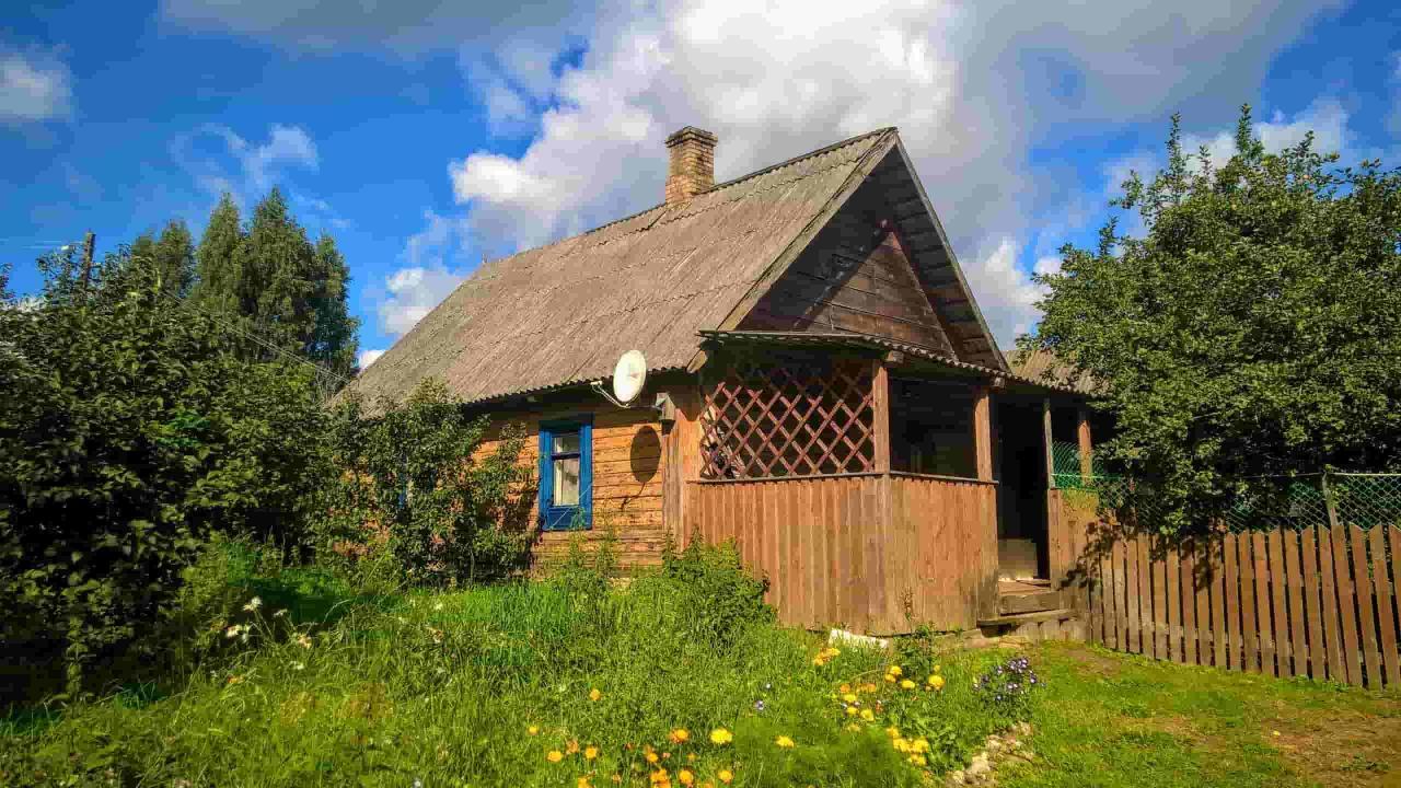 Добротный дом с хоз-вом и баней на хуторе под Псковскими Печорами   фото 1 из 6