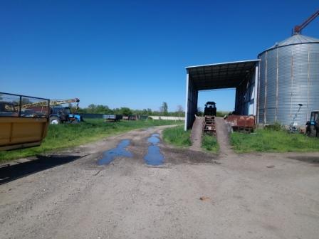 Продам ферму на 12000 голов ,земли 400 га.   фото 1 из 4